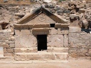philip_tomb